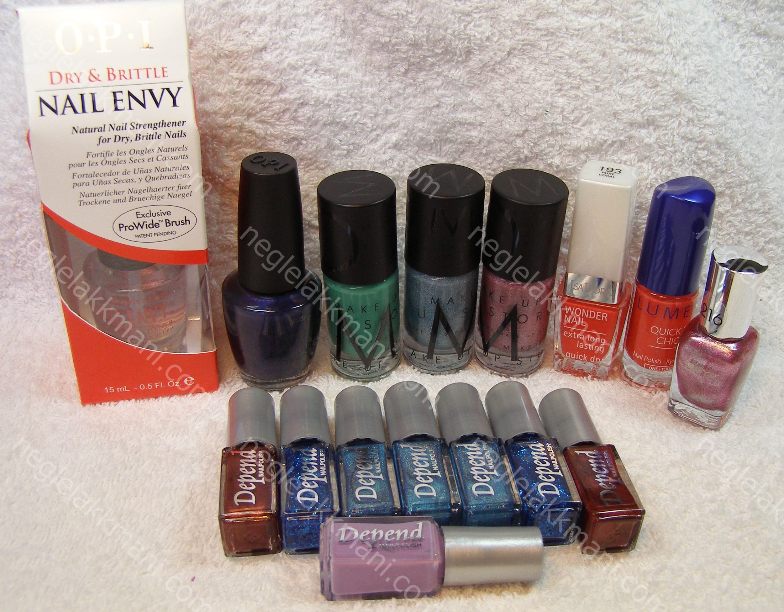Nail Envy,OPI Play 'til Midnight, MUS Paula,MUS Siw,MUS Britta, Isadora Pure Coral, Lumene Feeling Tricky, BeYu A pink foil and a lot of Depends
