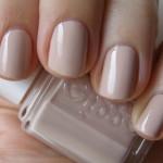Essie Topless & Barefoot med sølvblomster fra XLplate F