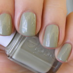 Essie Da Bush og China Glaze Cherish